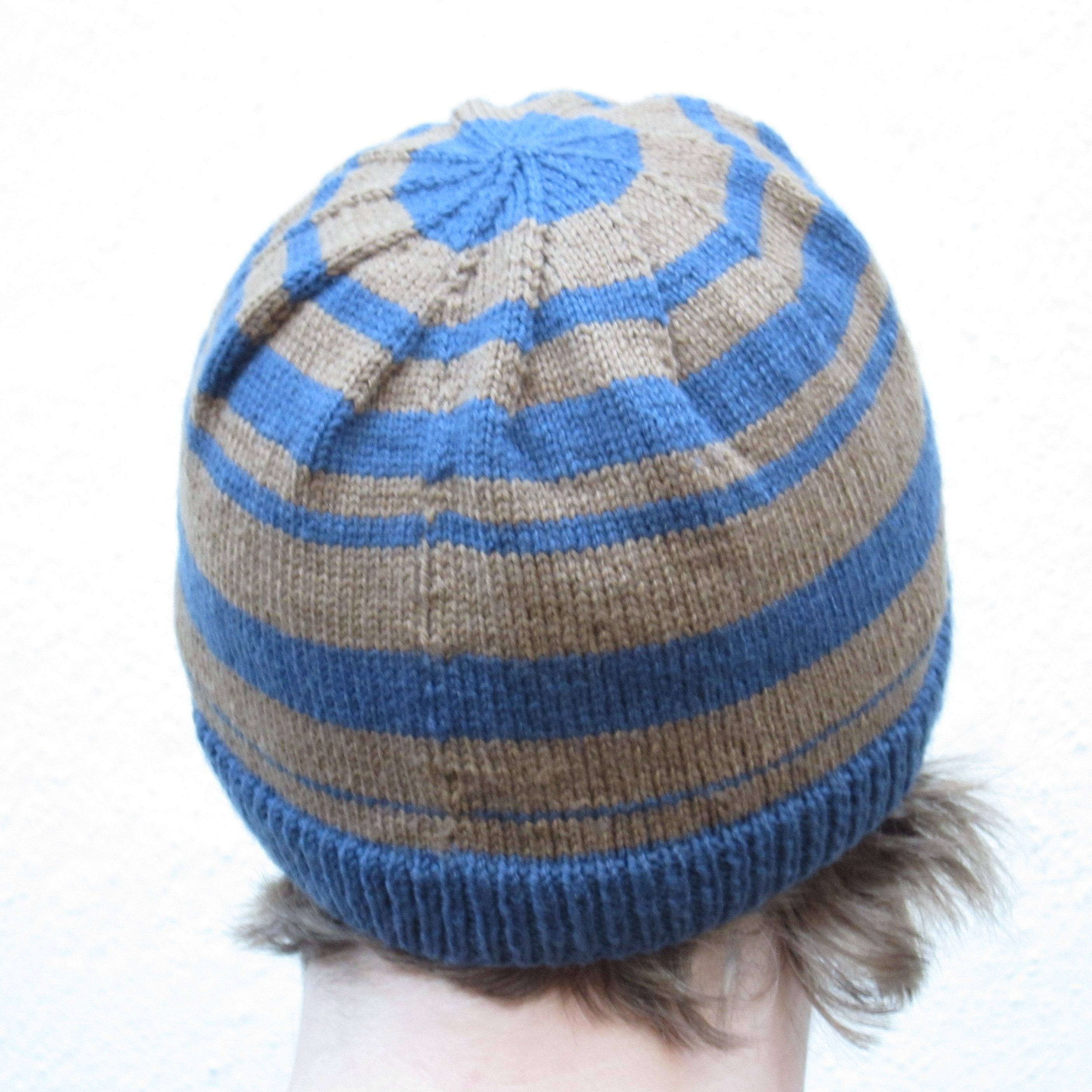 Sirdar Childrens Knitting Patterns : Random Factor Hat   Quick Free Knitting Pattern