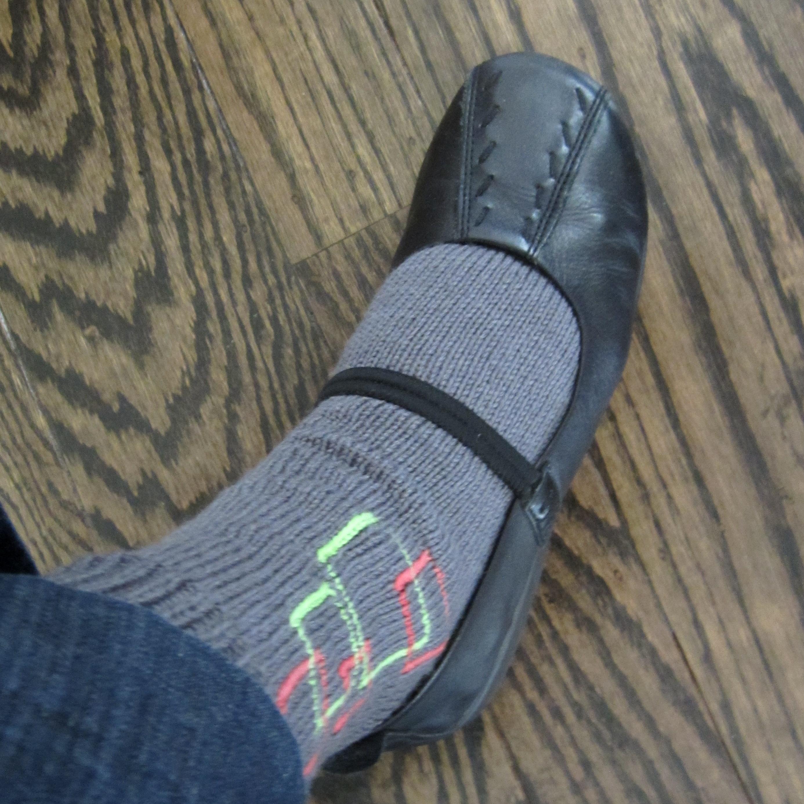 Neon Flash Socks – Quick Free Knitting Pattern |