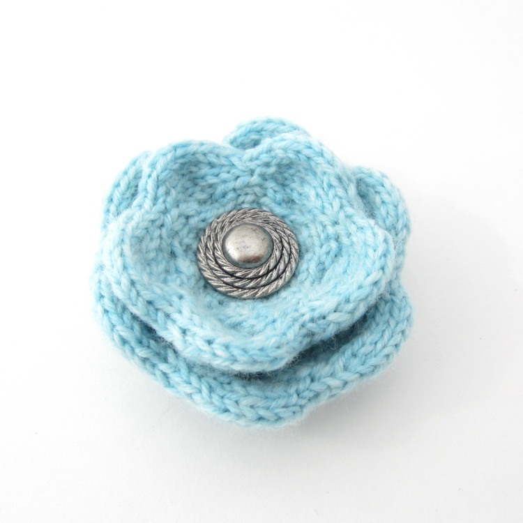 Flower Knitting Patterns Free : knitted flower
